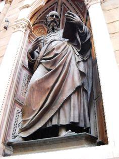 Socha ve výklenku - Florencie - Itálie