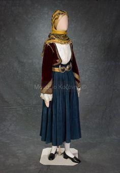 Women's costume from Kymi, Evia (Euboea) Greek Costumes, Costumes For Women, Dance Costumes, Greek Traditional Dress, Traditional Outfits, Folk Dance, Greek Clothing, Folk Costume, Western Outfits