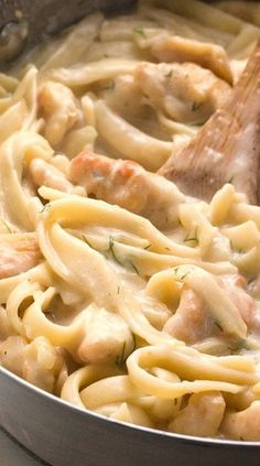 Creamy Dill Chicken Pasta Recipe ~ a quick weeknight dinner idea that a whole family will love! Dill Recipes, Paleo Chicken Recipes, Healthy Recipes, Easy Cooking, Cooking Recipes, Easy Dinner Recipes, Easy Meals, Dill Chicken, Recipes