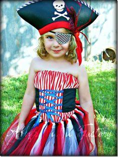 Little girl pirate tutu costume Halloween Karneval, Halloween Kostüm, Family Halloween, Halloween Outfits, Halloween Costumes, Deer Costume, Turtle Costumes, Cowgirl Costume, Halloween Clothes