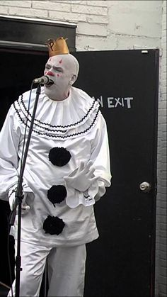 Puddles Pity Party: Combines Celine Dion and Metallica