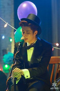 MJ- still from Crazy Sexy Cool MV. Manners Maketh MJ~