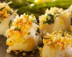 Noix de saint-jacques croustillantes au four : http://www.fourchette-et-bikini.fr/recettes/recettes-minceur/noix-de-saint-jacques-croustillantes-au-four.html