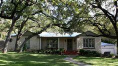 Texas Cottage: Homes of Texas: San Antonio Alamo Heights