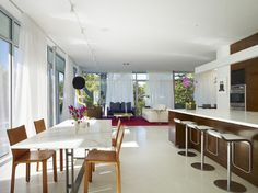 Northbrook House - contemporary - Dining Room - Chicago - Wheeler Kearns Architects