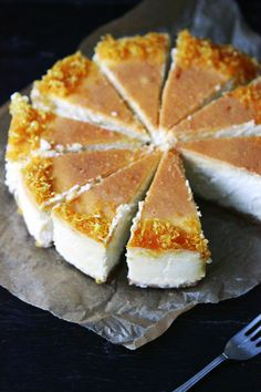 *desserts, sweets, recipes* - Lemon cheesecake with lemon syrup Lemon Desserts, Lemon Recipes, Just Desserts, Sweet Recipes, Delicious Desserts, Dessert Recipes, Yummy Food, Food Cakes, Cupcake Cakes