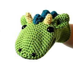 Dragon hand puppet crochet pattern by A la Sascha