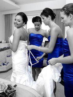 wedding pic idea--great COLOR shot, bride and bridesmaids
