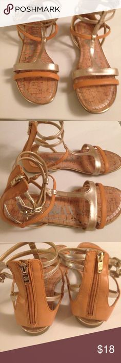 Size 8 Sam and Libby sandals Size 8 SAM & LIBBY sandals! Good used condition! Fastens and zips! Thanks smoker! Sam & Libby Shoes Sandals