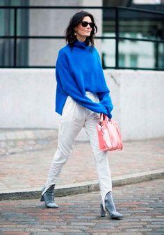 Calça fusô com tricot oversized azul.