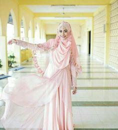 Super Dress Brokat Pink The Bride Ideas Muslimah Wedding Dress, Hijab Style Dress, Muslim Wedding Dresses, Wedding Party Dresses, Bridal Dresses, Bridesmaid Dresses, Abaya Style, Bridal Hijab, Hijab Bride