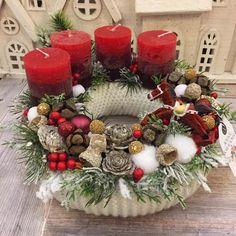 Adventi koszorúk és még sok más - Villa Majolika Christmas Advent Wreath, Christmas Wood, Winter Christmas, Xmas, Christmas Centerpieces, Christmas Decorations, Holiday Decor, Arte Floral, Christmas Inspiration