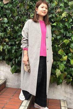 ニット×チェックワイドパンツ  ピンクなどの色物ニットを合わせて今年らしいスタイリングに。 コートは肩周りもゆったりとしていて厚手のトップスの上からも羽織れるので、長く使えます。