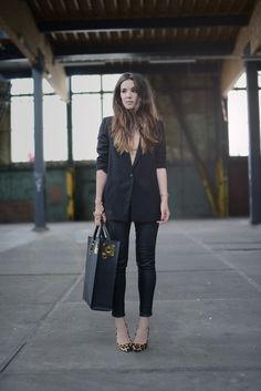 Outfit / Black Saturday