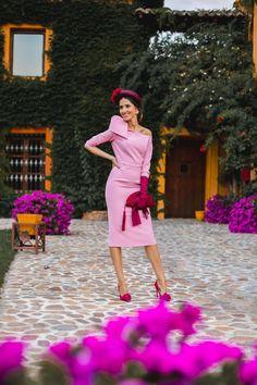 Look invitada boda kate middleton vestido rosa diadema comunion bautizo Kate Middleton, Chic, Wedding Styles, How To Wear, Dresses, Heels, Fashion, Blush Pink Dresses, Short Dresses