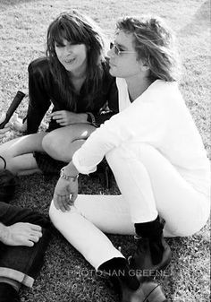 Michael Hutchence with Chrissy ❤️ sadly they are both gone too soon. Michael Hutchence, Music Photo, Rock Chic, Ex Girlfriends, Music Artists, My Music, Daughter, Singer, Guys
