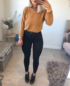 Street style fashion outfits Casual fashion outfits ideas and Chic Summer outfits for 2019 Mode Outfits, Trendy Outfits, Fashion Outfits, Womens Fashion, Fashion Fashion, Fashion Trends, Fall Winter Outfits, Spring Outfits, Church Outfit Fall