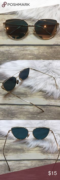 Gold and Rose Gold Cat Eye Aviator Sunglasses Gold framed cat eye glasses. Oversized mirror Lenses shine gold and rose gold color. UV 400. Super cute sunnies for summer! Accessories Sunglasses