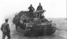 https://flic.kr/p/shwFpH | « Hummel » (Sd.Kfz. 165) | 15 cm schwere Panzerhaubitze auf Geschützwagen III und IV (Sf.) « Hummel » (Sd.Kfz. 165)