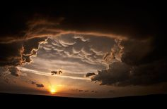 Beautiful photos of storm clouds and supercells by Camille Seaman
