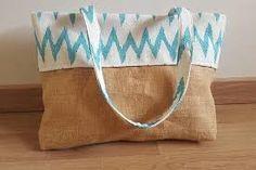 Resultado de imagen para bolsos de tela con frases Throw Pillows, Frases, Fabric Handbags, Manualidades, Cushions, Decorative Pillows, Decor Pillows, Scatter Cushions