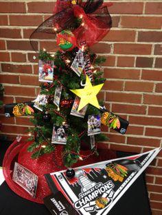 Christmas Tree Xmas Decorating Trim Trees Decor DIY #ChristmasTree #tree #decor Chicago Blackhawks #Blackhawks #Hockey NHL Kane
