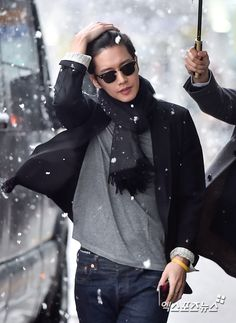 Tiền bối Yoo Jung Park Hae Jin lãng tử dưới trời tuyết như soái ca ngôn tình - Ảnh 3.