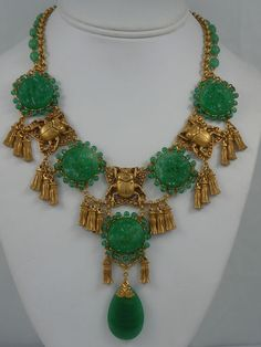 ASKEW LONDON PEKING GLASS AND SCARAB NECKLACE