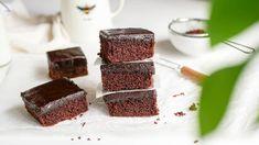 Csupa csokis süti recept - Jobb, mint a brownie! Food Decorating, Tiramisu, Baking, Ethnic Recipes, Bakken, Tiramisu Cake, Backen, Sweets, Pastries