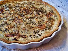 Pour un moule à tarte de 28 cm de diamètre  .  Pour la pâte brisée :  250 gr de farine T45  1/2 càc de sel  75 gr de beurre végétal fondu ...