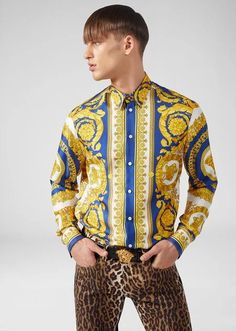 Gold Barocco Print Silk Shirt from Versace Men's Collection. Button up, collared, long sleeve shirt crafted from pure silk twill in the Gold Barocco - a classic print revisited in gold hues that evoke décor found in the Versace family's Milanese home. Gianni Versace, Versace Men, Versace Gold, Grey Shirt, Denim Shirt, Versace Shirts, High Fashion Men, Men Wear