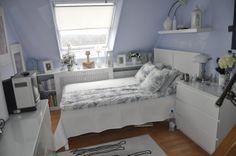 biała sypialnia, mała sypialnia