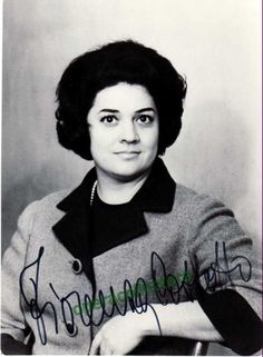 Signed photo of the Italian mezzo-soprano (b. 1935), shown as herself. Size is 5 x 6.75 inches.
