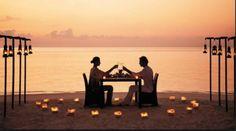 Curiosando tra le foto dei nostri sposi...ho trovato delle immagini di matrimonio in riva al mare...viva il romanticismo!!! www.tosettisposa.it #wedding #weddingdress #tosetti #abitidasposo #abitidacerimonia #abiti  #tosettisposa #abitidasposa #nozze #bride #alessandrotosetti #carlopignatelli #domoadami #nicole #pronovias #AlessandraRinaudo #l'abitodeisogni # زواج #брак #فساتين زفاف #Свадебное платье #حفل زفاف في إيطاليا #Свадьба в Италии