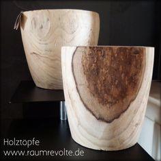 Indoor-Blumentöpfe aus dem  Holz des Anna-Paulowna Baumes. Sieht aus wie schweres Eichenholz ist aber federleicht. Die Maserung macht jeden Topf zum Unikat.