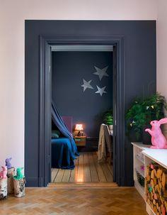 Un encadrement de porte original - Peinture murale : 20 inspirations pour un intérieur trendy - Elle Décoration