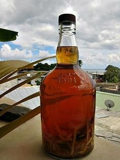 La meilleure recette de Rhum arrangé gingembre-cannelle! L'essayer, c'est l'adopter! 5.0/5 (5 votes), 7 Commentaires. Ingrédients: une bouteille sympa 1l de bon rhum blanc (ou selon la contenance de votre bouteille!) 5 à 8 cm de racine de gingembre 1 bâton de cannelle