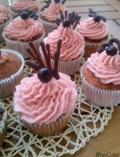 muffins with currants and chocolate