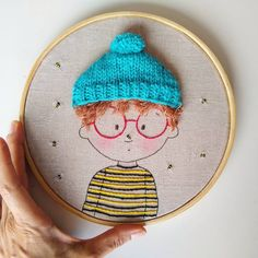 Um menino doce! 💙😊🐝 #handmadedoll #batidor #bordado #embroidery #abelhas #bee Embroidery Hoop Decor, Hand Embroidery Stitches, Hand Embroidery Designs, Diy Embroidery, Cross Stitch Embroidery, Embroidery Patterns, Cross Stitch Patterns, Diy Broderie, Contemporary Embroidery