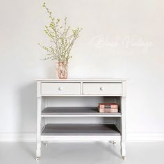 Upcycled Furniture, Furniture Projects, Furniture Makeover, Vintage Furniture, Cool Furniture, Painted Furniture, White Furniture Inspiration, Wood Dresser, Empire Style
