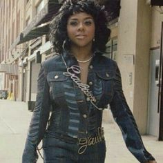Lil Kim (before she fucked herself up forever)