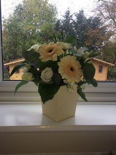 Thank you @HansonRegan for my beautiful flowers. Such a lovely company to work for