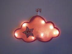 Veilleuse mobile à led bébé et enfant / nuage rose et étoile tissu liberty / sans fils : Décoration pour enfants par chuchoti
