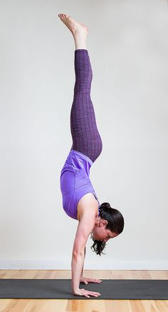 Learn how to do a Handstand in just 8 moves