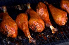 Drunken Smoked Turkey Legs Smoked Turkey Legs, Smoked Ribs, Traeger Recipes, Grilling Recipes, Smoking Recipes, Homemade Soup, Smoking Meat, Grilled Meat, Turkey Recipes