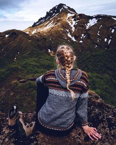 21 Women Outdoor Apparel & Activewear - Casual Wear Style # # Style - Stil Mode - Practical travel advice and t Mode Plein Air, Trekking, Outdoorsy Style, Outdoor Apparel, Outdoor Clothing, Foto Pose, Outdoor Woman, Outdoor Outfit, Adventure Is Out There