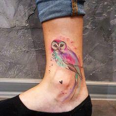 Diseños de tatuajes-colores-pie-búhos.
