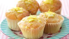 Plain Yet Perfect // Lemon Drizzle Cupcakes Cupcake Recipes Uk, Dessert Recipes, Aldi Recipes, Baking Recipes, Vegetarian Recipes, Lemon Drizzle Cupcakes, Delicious Desserts, Yummy Food, Tasty