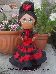 flamenca hecha con goma eva Handmade Crafts, Diy And Crafts, Crafts For Kids, Arts And Crafts, Makeup Crafts, Fondant Figures Tutorial, Clothespin Dolls, Foam Crafts, Wooden Dolls