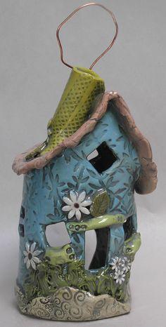 Shelley Combs - Blue Daisy house